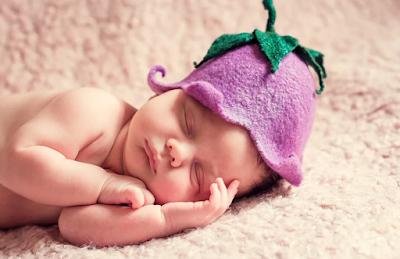 Ciri-Ciri Perkembangan Bayi Usia 1 Bulan