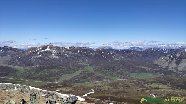 Vista hacia el Tiatordos desde la Sierra de Sentiles