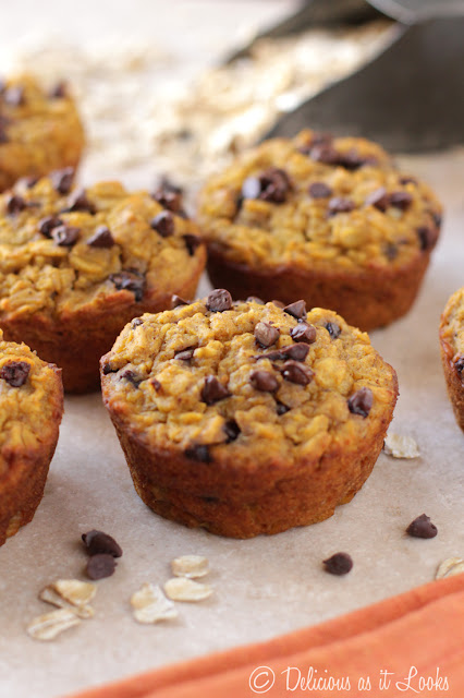 Low-FODMAP Pumpkin Chocolate Chip Baked Oatmeal Muffins  /  Delicious as it Looks