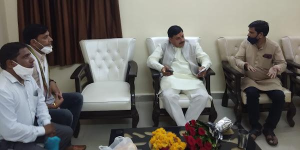 उच्च शिक्षा मंत्री डाॅ. मोहन यादव से अतिथि विद्वानों ने की मुलाकात