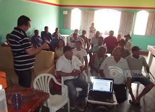 Agricultores participam de reunião sobre Projeto do plantio de Algodão em Baraúna
