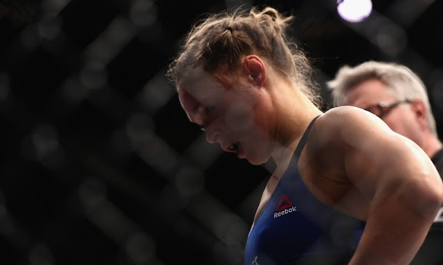 Ronda Rousey defeated by Amanda Nunes at UFC 207