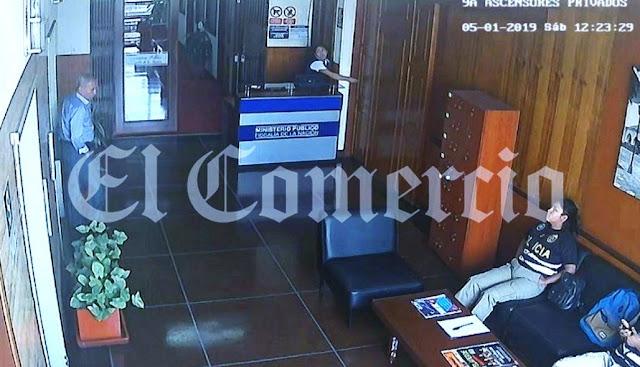 Chávarry acompañó a su personal tras sustracción de documentos