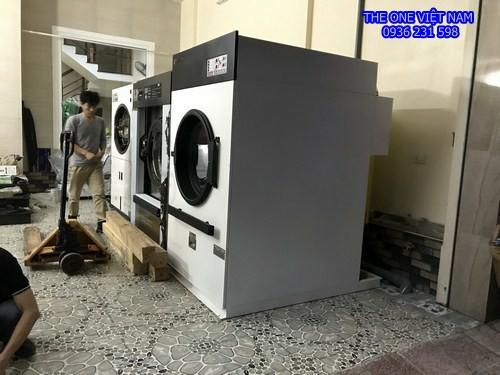 Máy giặt sấy là công nghiệp cho trung tâm tiệc cưới