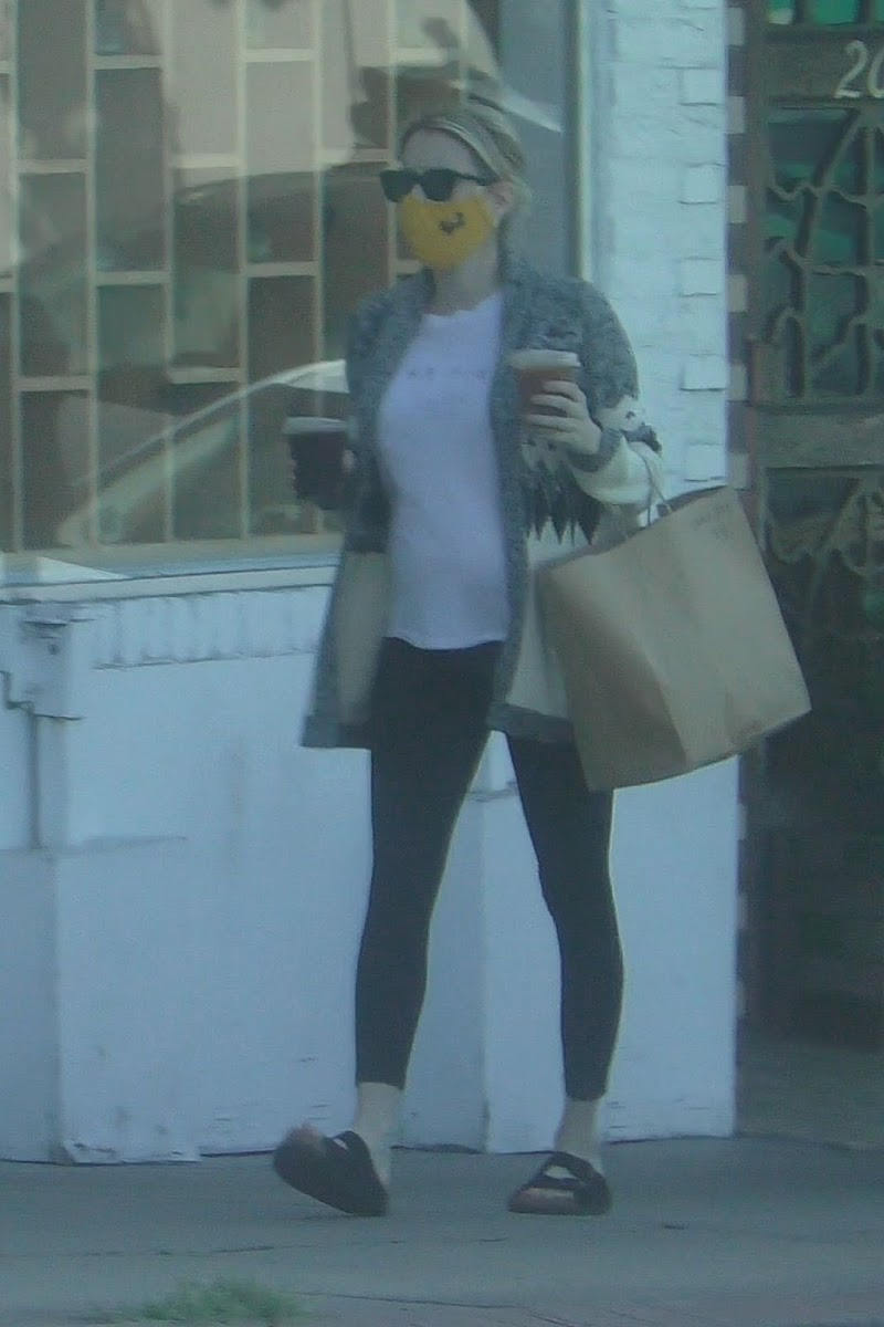 Pregnant Emma Roberts Out for Coffee in Los Feliz 29 Sep- 2020