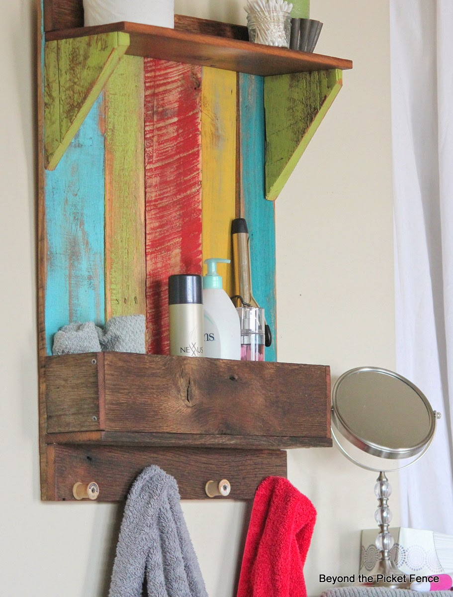 reclaimed wood shelf, barnwood,pallet wood, http://www.beyondthepicket-fence.com/2014/04/junkers-unite-with-reclaimed-wood-shelf.html