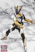 S.H. Figuarts Kamen Rider Thouser 19