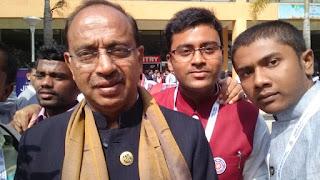 Sudhanshu raja ravi with Vijay Goel