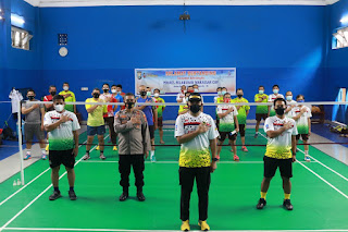 Menyambut Hari Bhayangkara 75, Polres Pelabuhan Makassar Gelar Turnamen Badminton