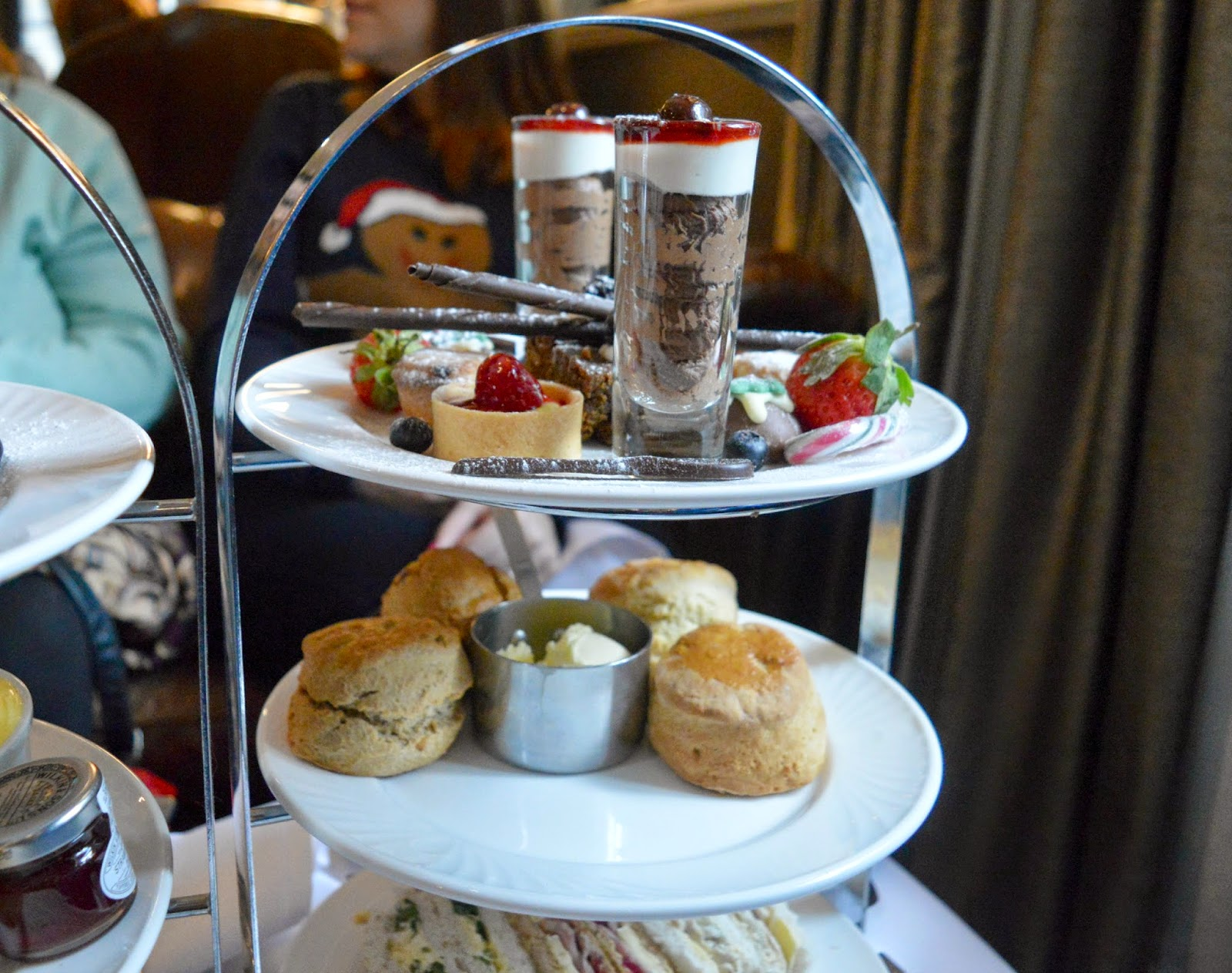 Festive Afternoon Tea at the Vermont Hotel | New Girl in Toon