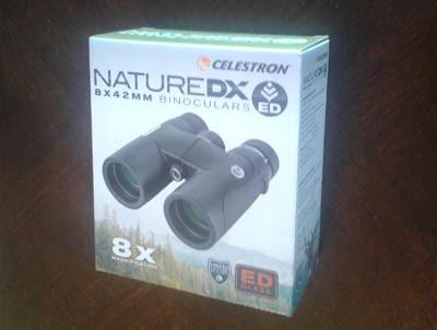 Photo of binocular packaging