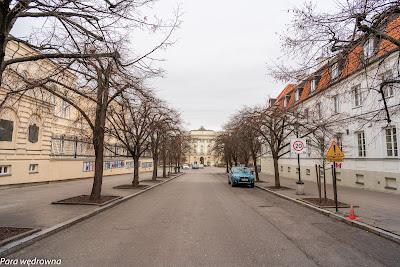 Budynek dawnej biblioteki Uniwersytetu Warszawskiego