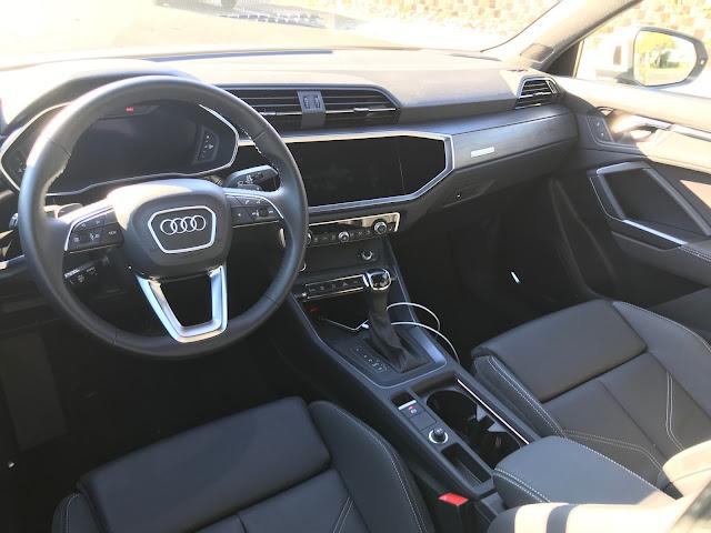 Interior view of 2019 Audi Q3 S Line quattro