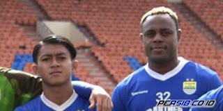 Febri Hariyadi dan Victor Igbonefo
