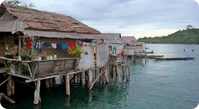Rumah+Suku+Bajo