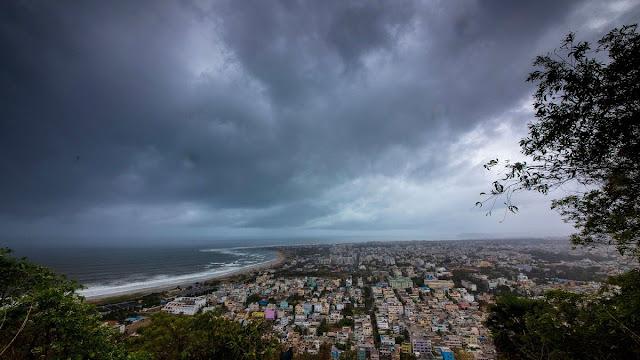 لويزيانا تستعد لاستقبال إعصارين وأنباء عن إخلاء بعض المنازل