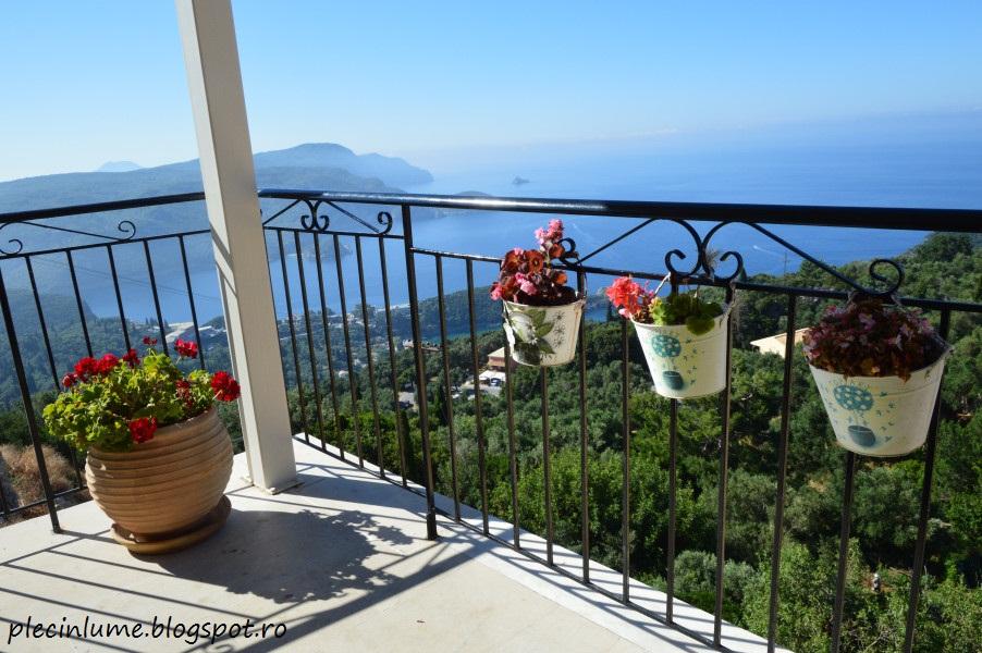 Balcon spre mare in Lakones, Corfu