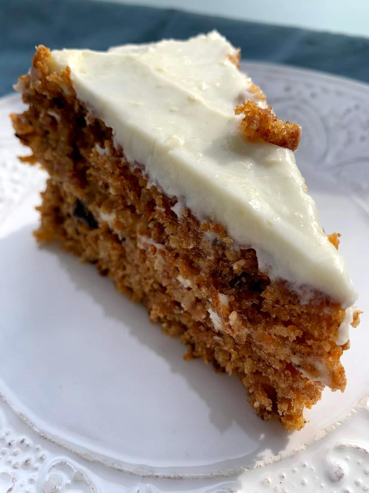 Tort marchewkowy z słodką polewą