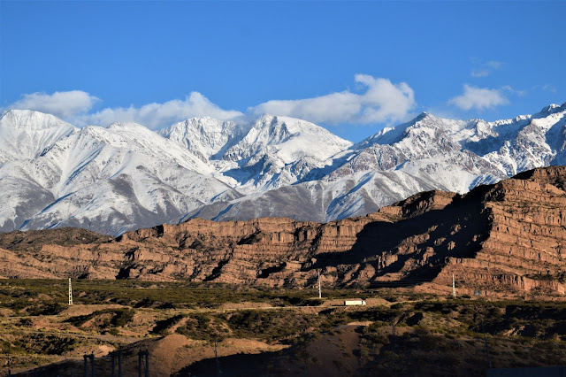 montanha da cordilheira dos andes cobertas de neve