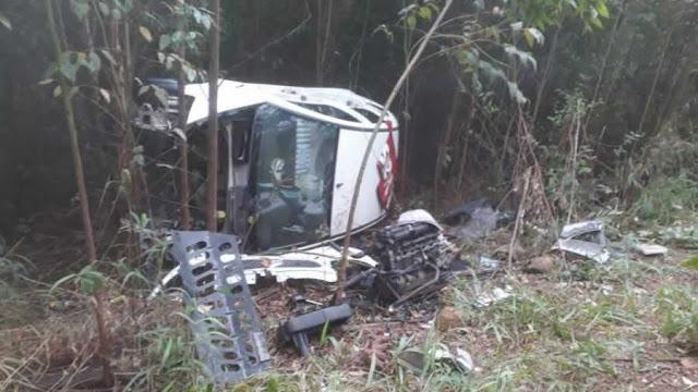 Com registro de furto e roubo, PM localiza carros desmanchados em Andradas(MG)