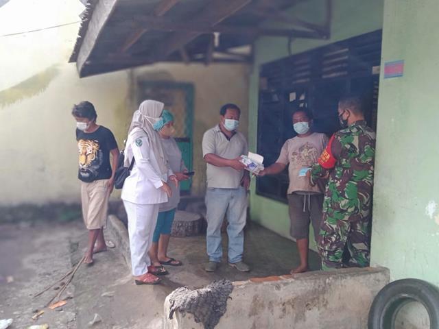 Cegah Penyebaran Covid-19, Ops PPKM Micro Dilakukan Personel Jajaran Kodim 0207/Simalungun Dampingi Tim Kesehatan