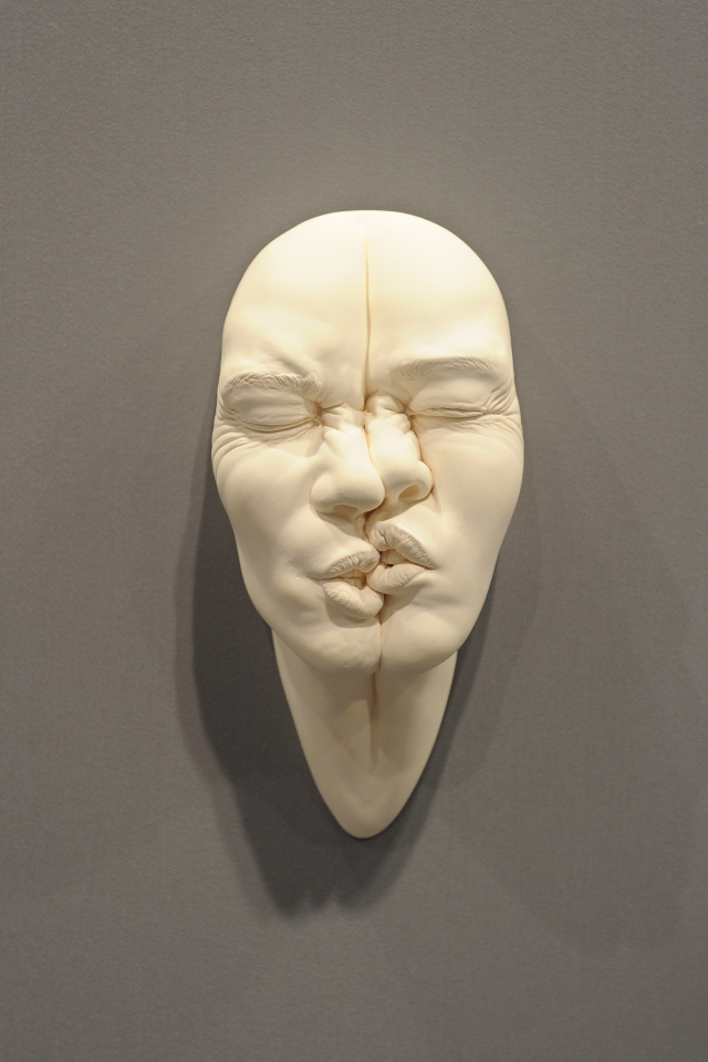08-Johnson-Tsang-Ceramic-and-Porcelain-Faces-with-Multiple-Expressions-www-designstack-co