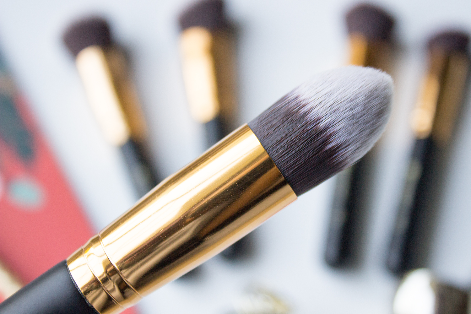 BH Cosmetics Sculpt & Blend Tapered Contouring Face Brush