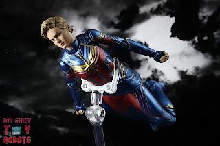 SH Figuarts Captain Marvel (Avengers Endgame) 11