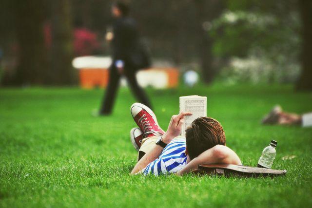 Фото на тему: Что читать летом? Хочется развития)