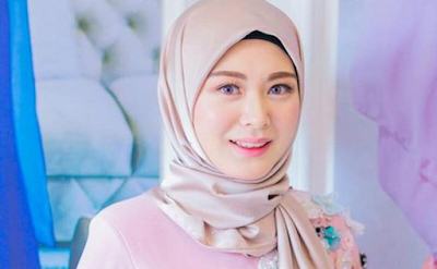 Tips Tampil Cantik dengan Make Up Natural