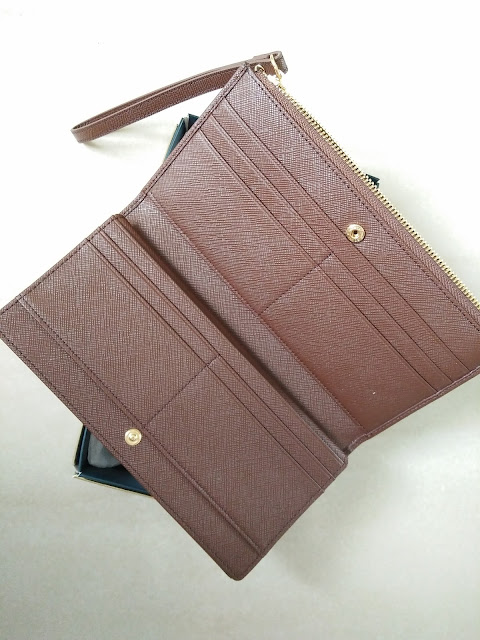 sembonia brown wallet