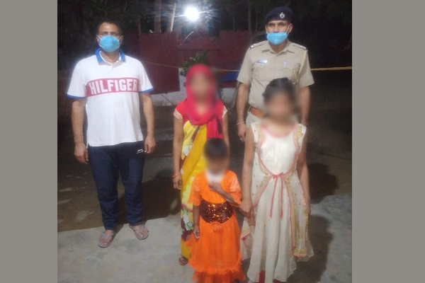 sanjay-colony-police-chowki-faridabad-searched-2-missing-girl