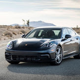 2018 Porsche Panamera : Even the base model has verve.