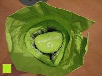 zusammengerollt: Akupressur-Set »Jimuta« / Tasche + Matte + Kissen / Akupressur- und Massagematte zur effektiven Lockerung und Lösung von Verspannungen / in verschiedenen fröhlichen Farben erhältlich.
