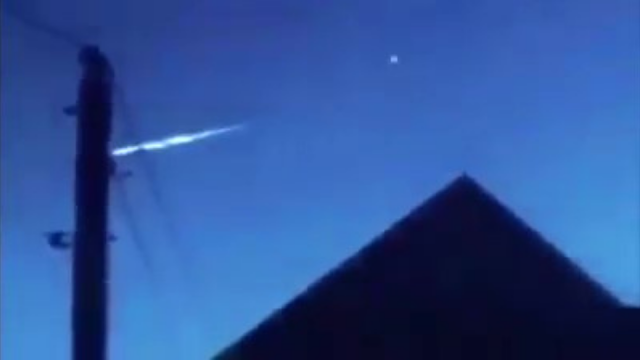 Meteorite-changed-shape-on-camera-then-split-into-two-pieces-and-flew-upwards