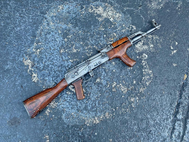 CW-Gunwerks-AKM-Romanian-Romy-Pickup-Right