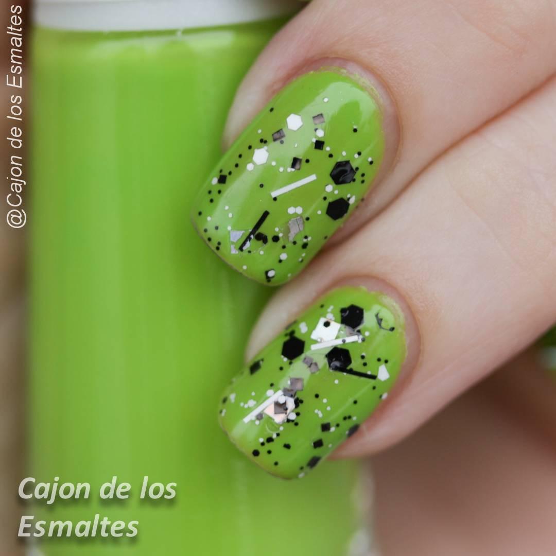 Colores veraniegos - Esmalte Ludurana CR-229 | Cajon de los esmaltes