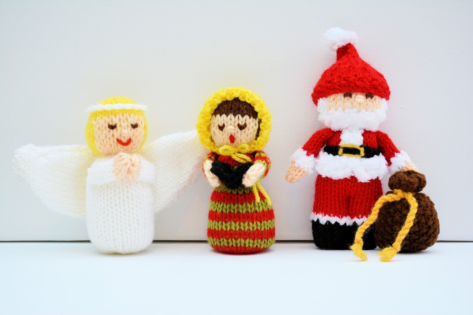 Edith Grace Designs: Christmas Angel Doll, Christmas Carolers Doll & Sant...