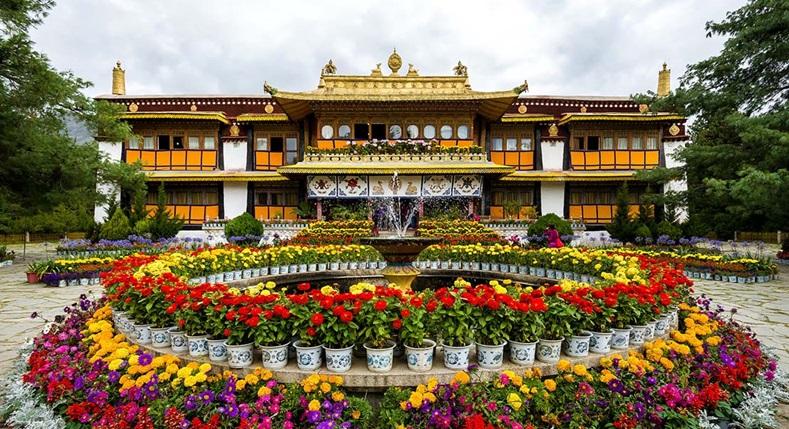 พระราชวังโนร์บูกลิงกา (Norbulingka Palace: 罗布林卡: ནོར་བུ་གླིང་ཀ་)