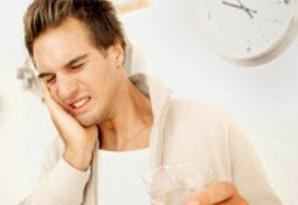 Penyebab Gusi Bengkak Bernanah Dan Berdarah pada Gigi Berlubang dan Cara Mencegahnya