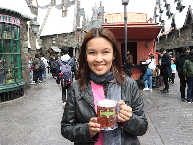 Drinking butterbeer
