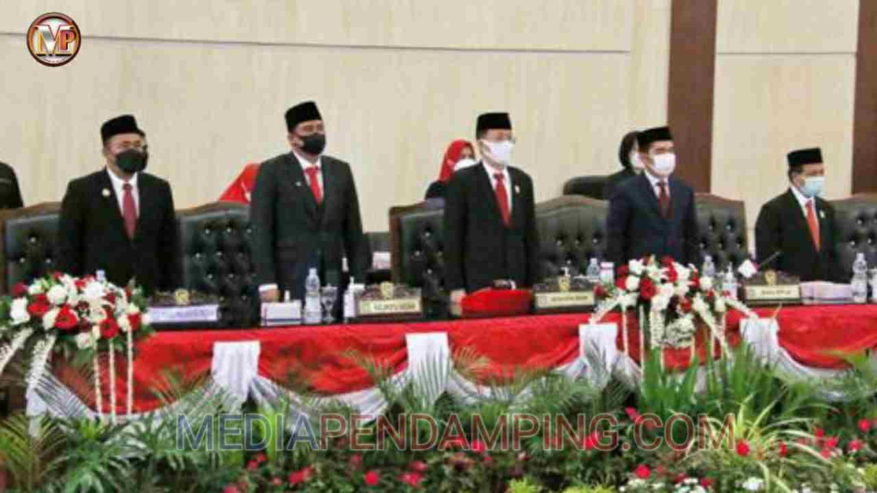 Wali Kota Medan Mengikuti Paripurna DPRD Medan Dengarkan Pidato Presiden Joko Widodo