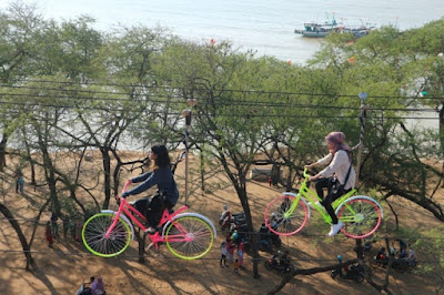 Kerennya, Flying bike di pantai Sowan Tuban