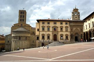 Arezzo's sloping Piazza Grande