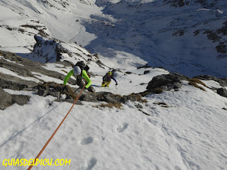 Fernando Calvo guia de alta montaña UIAGM , picos de europa escaladas al picu urriellu naranjo de bulnes