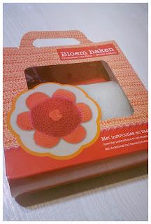 kit-crochet-fleur-rouge-debutant
