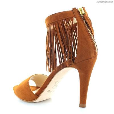 Zapatos de moda con flecos