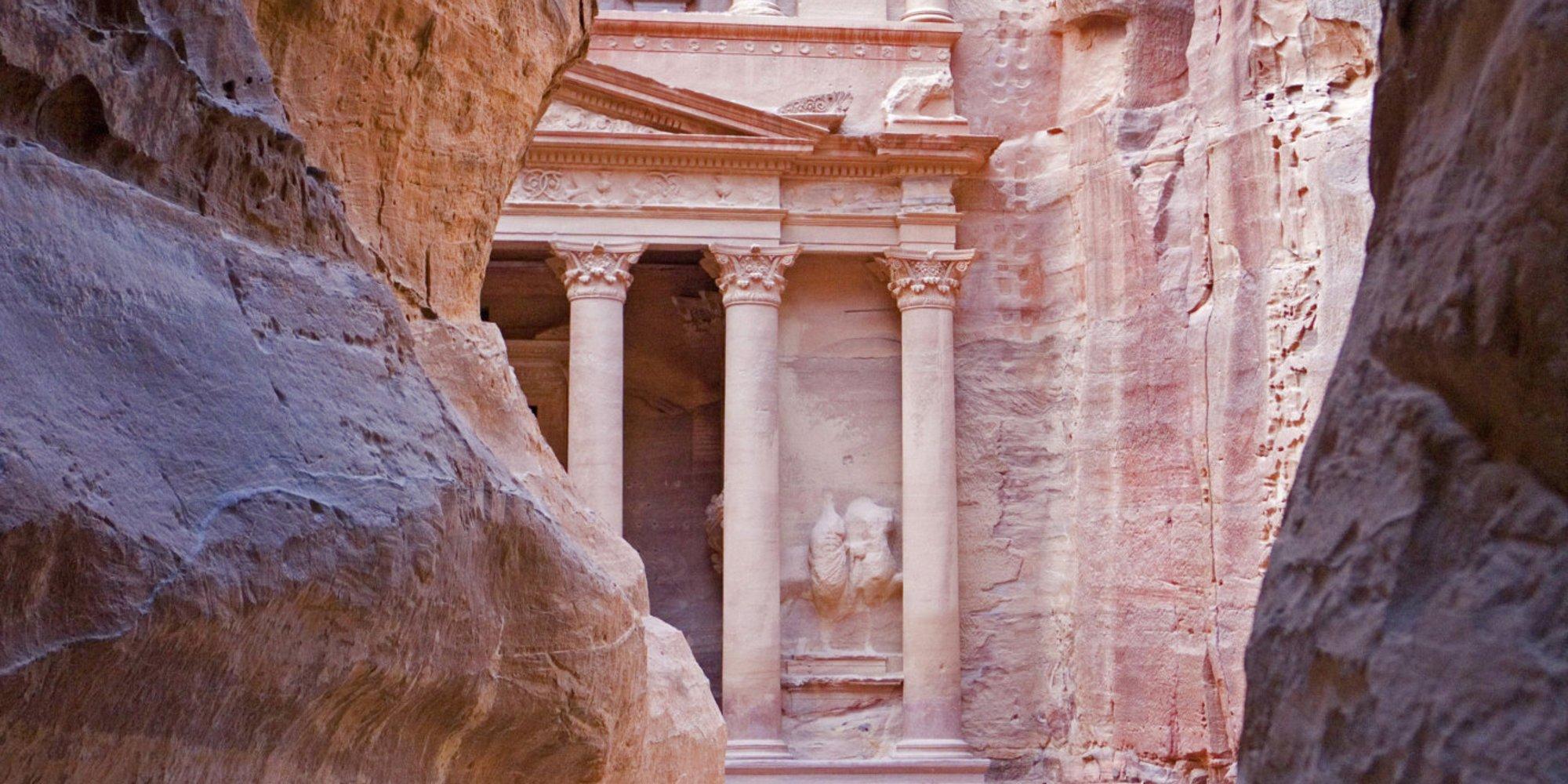 Город Петра в Иордании, казначейство