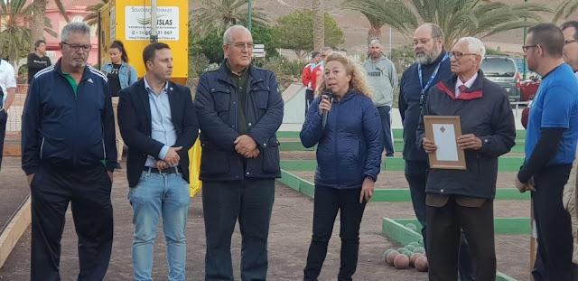 El mundo de la bola Canaria rinde Homenaje al ex presidente de Fuerteventura, José Martín Cerdeña