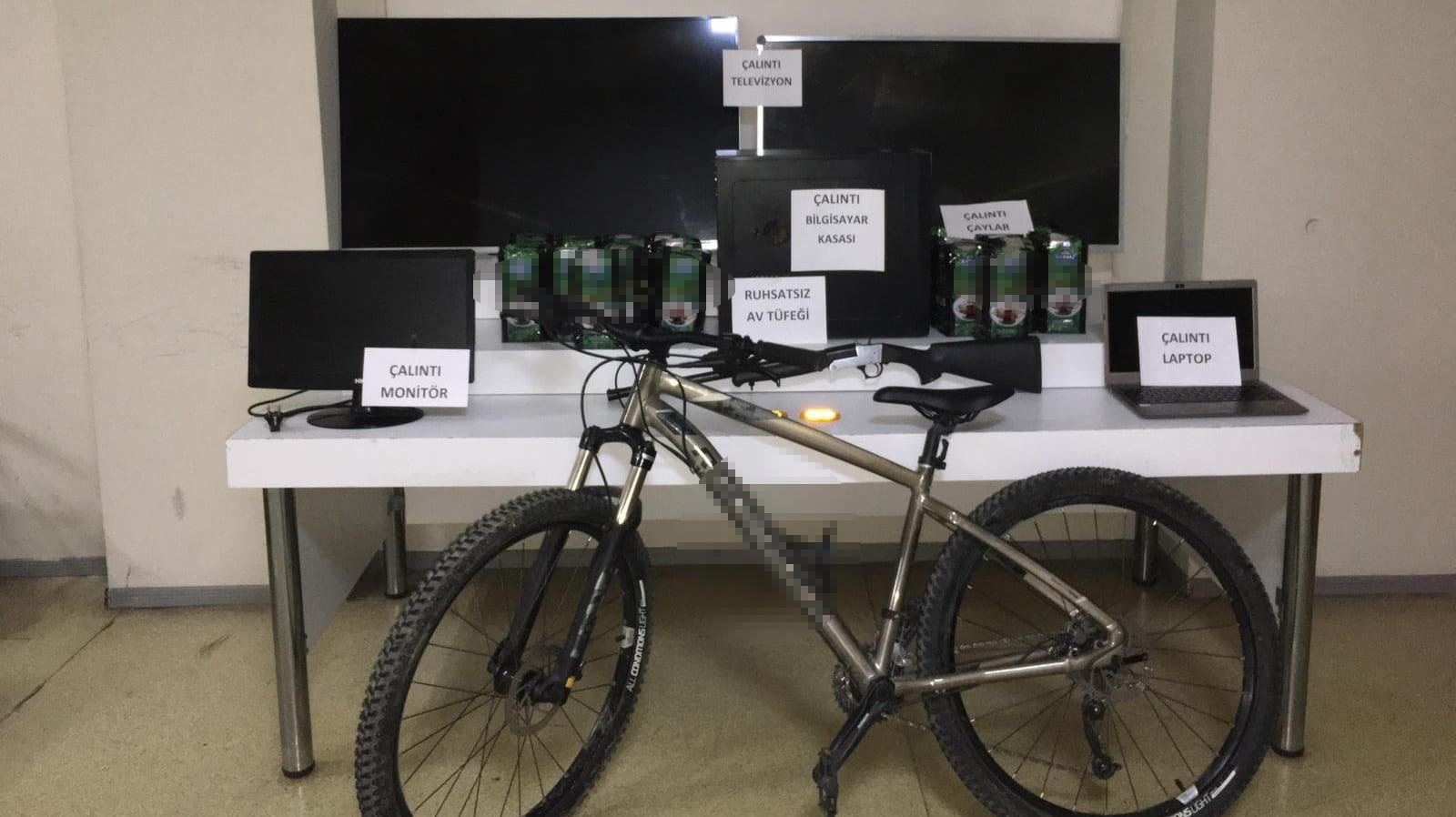 İş yeri hırsızları yakayı ele verdi